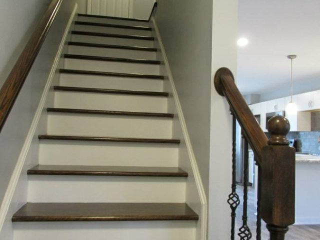 oak finished staircase
